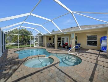 620 Mohawk Pkwy, Cape Coral - Home For Sale 772014053