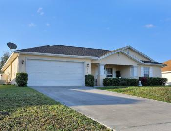 216 NW 14th St, Cape Coral - House For Sale 1913131433
