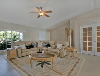 912 Mohawk Pkwy, Cape Coral - House For Sale 616442771