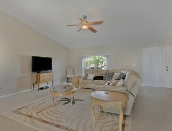 912 Mohawk Pkwy, Cape Coral - House For Sale 1048867604