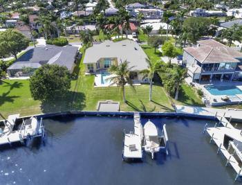 5635 Riverside Dr, Cape Coral - Home For Sale 1997326312