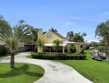 12743 Brewster Dr, Fort Myers - Home For Sale 222803459