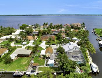 12743 Brewster Dr, Fort Myers - Home For Sale 1453341634
