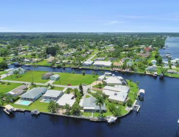 2014 Aruba Ave, Fort Myers - Home For Sale 2146514342