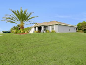 1801 NE 17th Ave, Cape Coral - Home For Sale 947537088