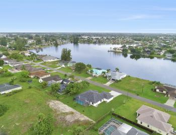 1206 SW 6th Ave, Cape Coral - Home For Sale 86226384