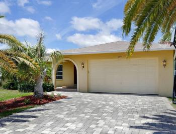 300 Capistrano Ct, Marco Island - House For Sale 1605344820