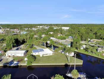 1156 Harbor Dr N. Fort Myers - Home For Sale 1665656948