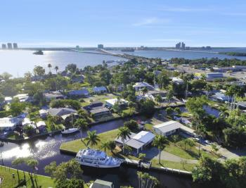 1156 Harbor Dr N. Fort Myers - Home For Sale 161342948