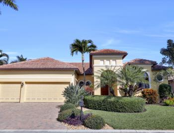 8820 Tropical Ct, Fort Myers - Home For Sale 880021237