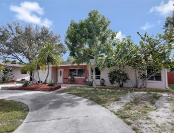 2142 Crystal Dr, Fort Myers - Home For Sale 1445038130