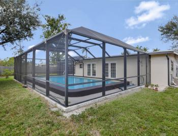 2142 Crystal Dr, Fort Myers - Home For Sale 1810364085