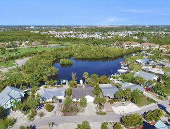 3330 Lakeview Dr, Naples - Home For Sale 575486521