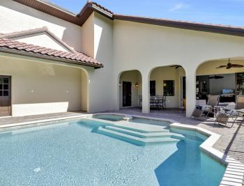 561 1st St NW, Naples - Home For Sale 1940044488