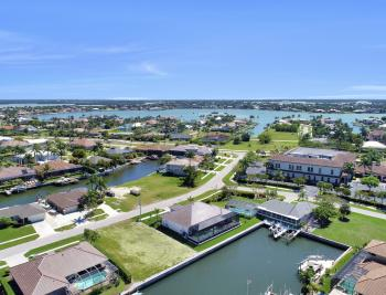 468 Barcelona Ct, Marco Island - Home For Sale 1774081325
