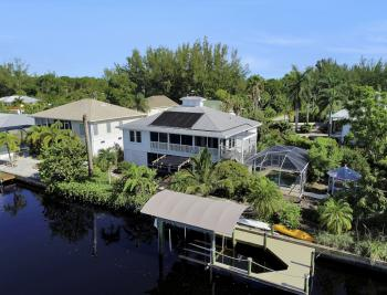 3461 Manatee Dr, St James City - Home For Sale 558311701