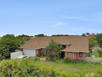 2717 Diplomat Pkwy W, Cape Coral - Home For Sale 1038045508