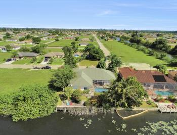 606 NW 3rd Ave, Cape Coral - Home For Sale 227327221