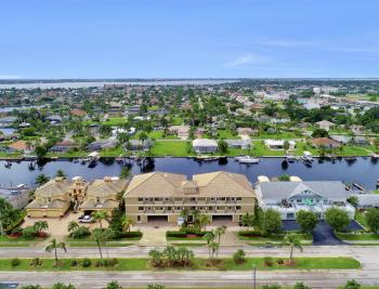 1640 Beach Pkwy, Cape Coral - Home For Sale 1292430574