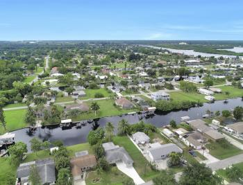 2129 St Croix Ave, Fort Myers - Home For Sale 1676086017