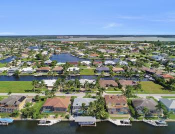 44 Algonquin Ct, Marco Island - Home For Sale 1252322054