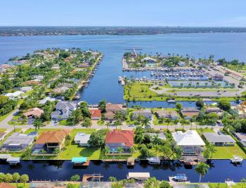1129 Lenox Ct, Cape Coral - Home For Sale 1206888263