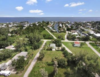 2430 Palm Ave, St James City - House For Sale 619877340