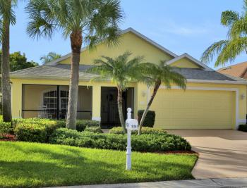 9261 Palm Island Cir, North Fort Myers - Home For Sale 208662723
