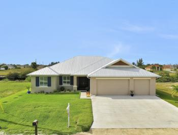 102 SW 35th Pl, Cape Coral - Home For Sale 1865200616
