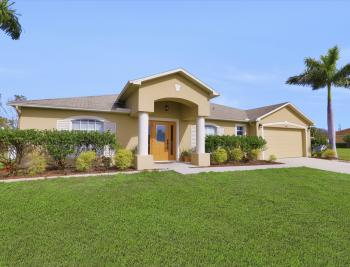 1141 Sw 2nd St, Cape Coral - Home For Sale 233762491