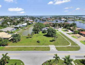 517 N Barfield Dr, Marco Island - Lot For Sale 1563288707
