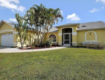 1030 SE 30th St, Cape Coral - House For Sale 883232703