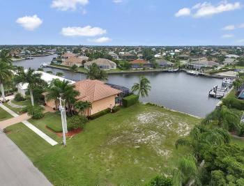 911 Ruby Ct, Marco Island - Lot For Sale 1172228997