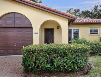 1037 Forest Lakes Dr, Naples - House For Sale 311632548