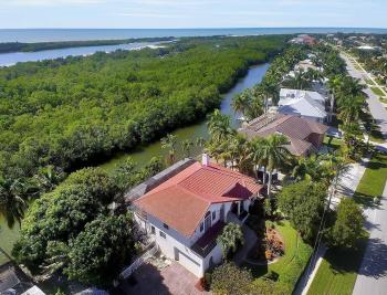 426 Spinnaker Dr, Marco Island - House For Sale 586400933