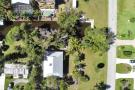 24509 Dolphin St, Bonita Springs - Home For Sale 1054927316